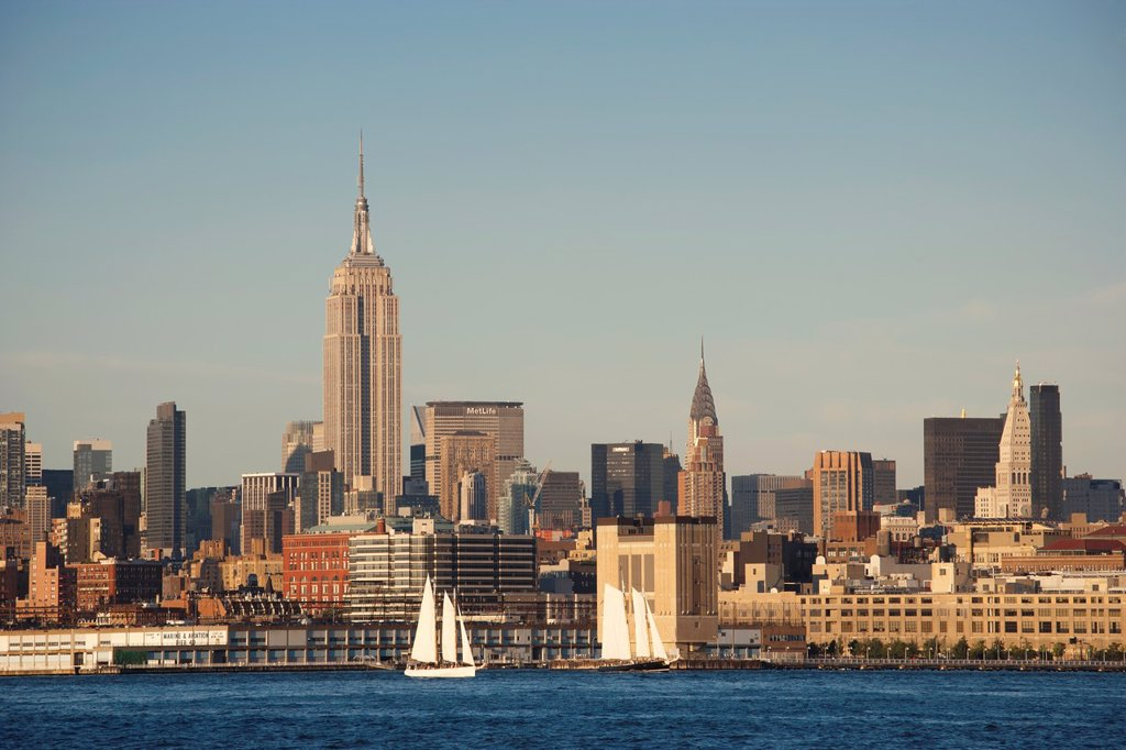 Empire State Building in Mid-town Manhattan from Jersey City, New Jersey : Stock Photo