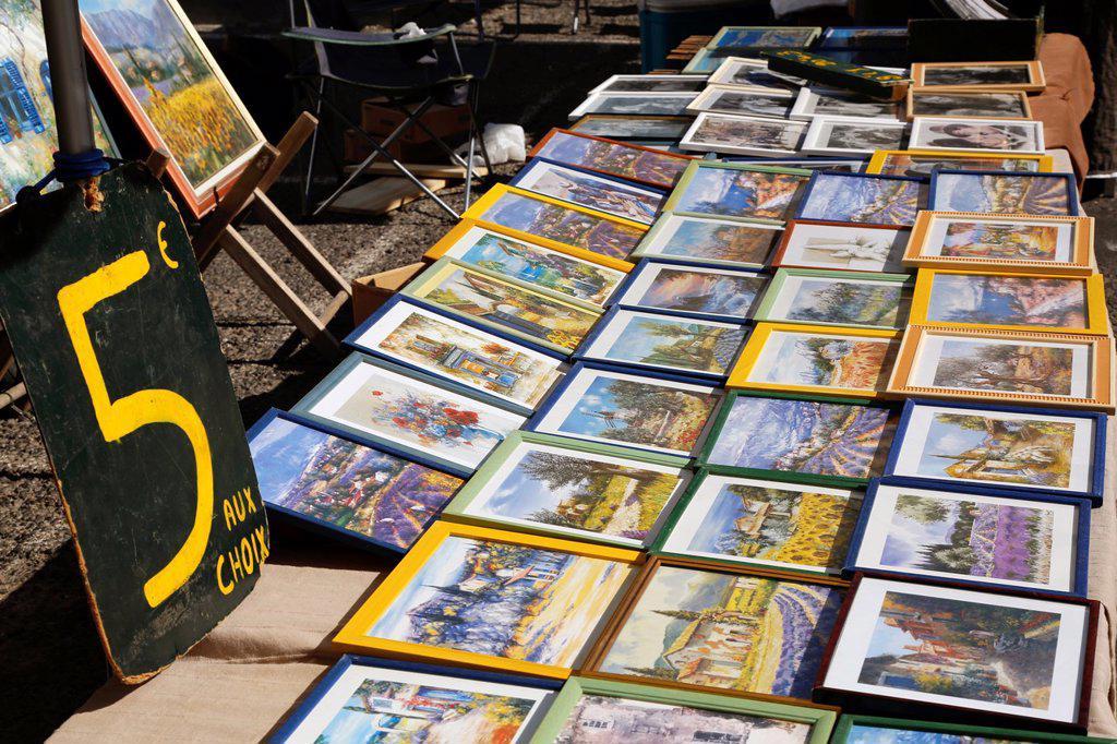 France, Provence, Alpes de Haute Provence 04, city of Greoux les bains, the sunday market // France, Provence, Alpes de Haute Provence 04, ville de Greaoux les bains, le marche du dimanche : Stock Photo