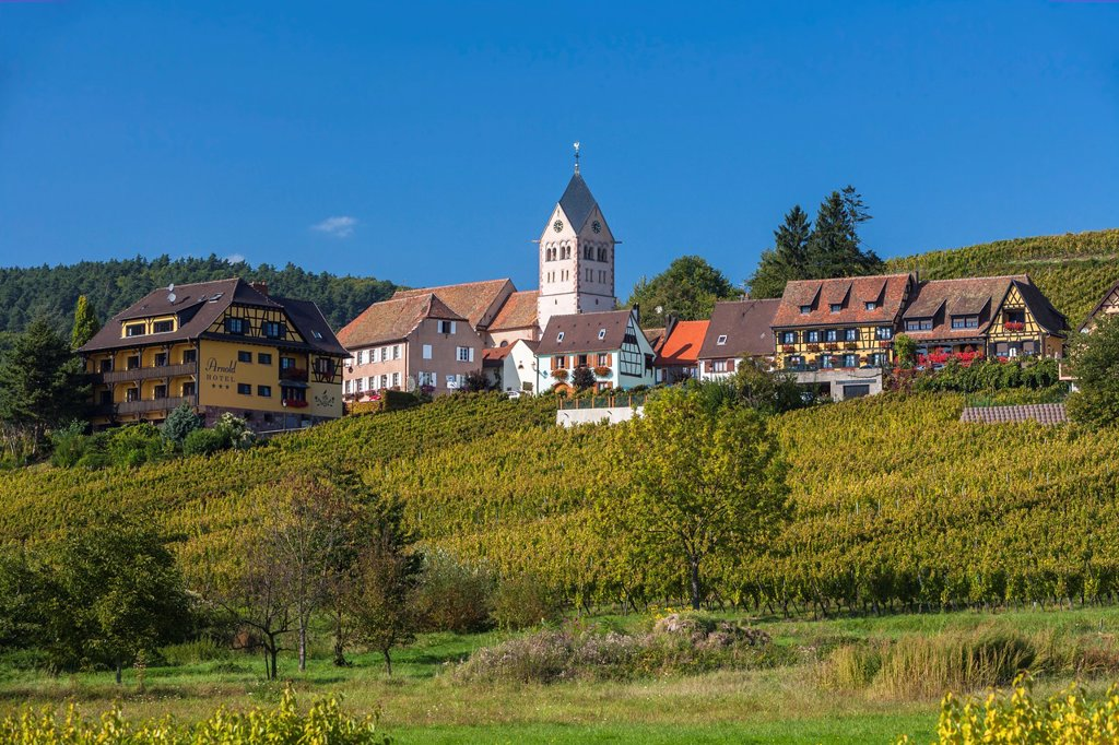 Stock Photo: 1566-1146377 The picturesque town of Itterswiller, Alsace, France, Europe