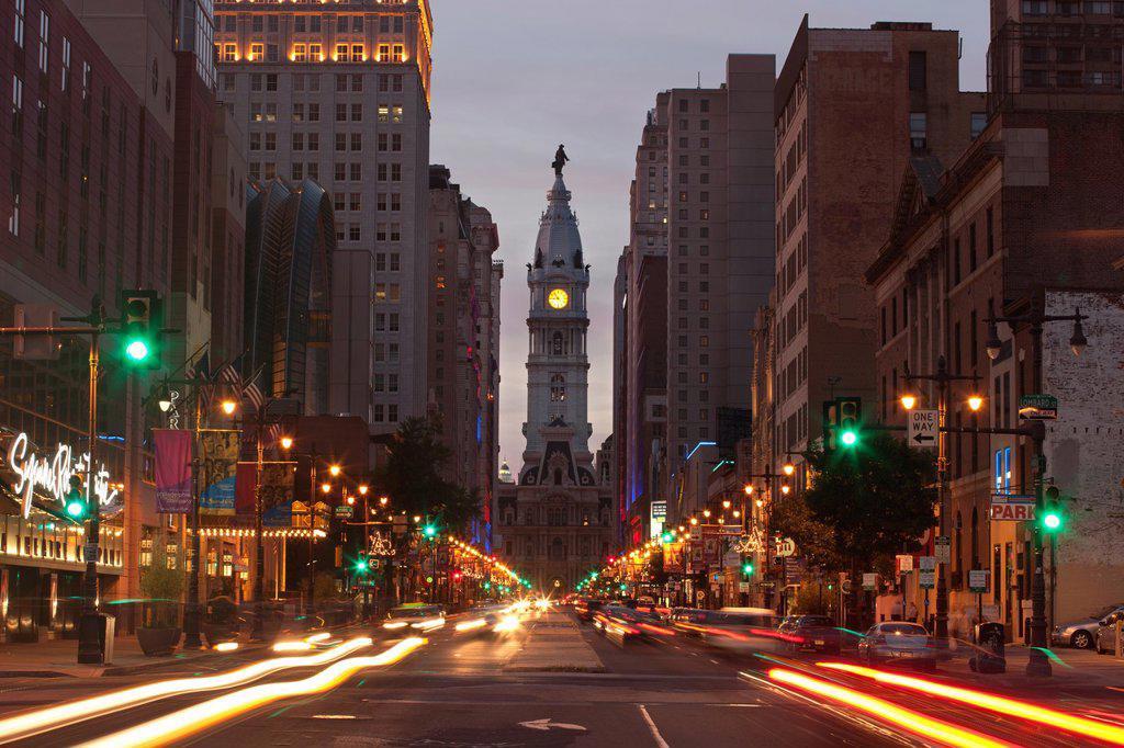 CITY HALL BROAD STREET DOWNTOWN PHILADELPHIA PENNSYLVANIA USA : Stock Photo