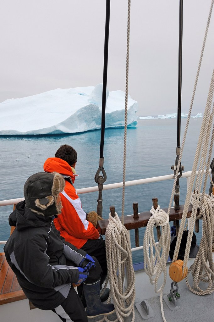 Stock Photo: 1566-1149491 Greenland, Melville Bay, Cape York, Aboard schooner Rembrandt Van Rijn, Tricky navigation amidst drifting icebergs