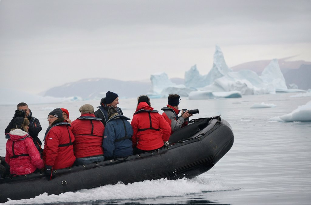 Greenland, Melville Bay, Cape York, Cruising along drifting icebergs : Stock Photo