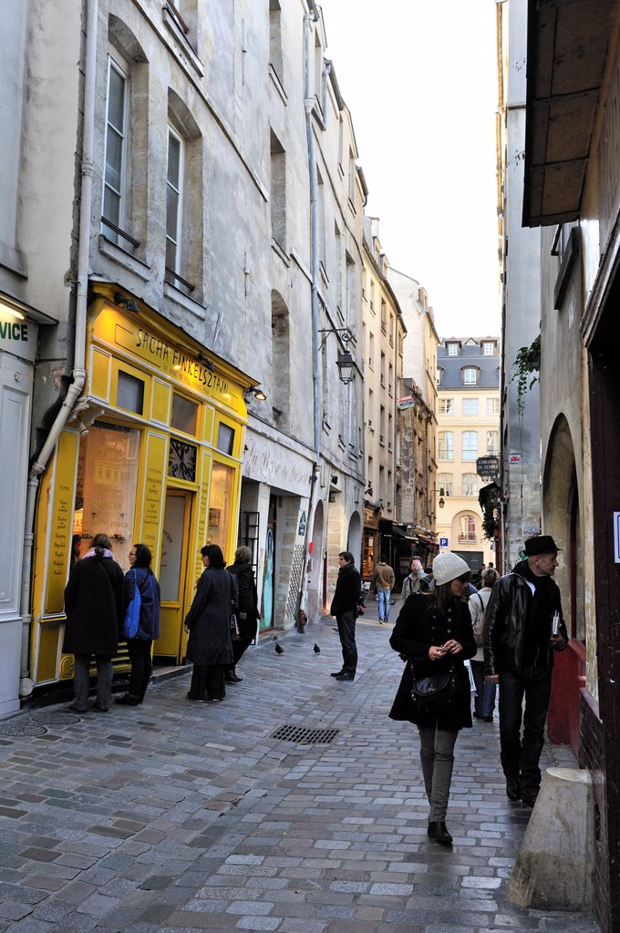 Stock Photo: 1566-1149594 rue des Rosiers in the Marais district, Paris, Ile-de-France region, France, Europe
