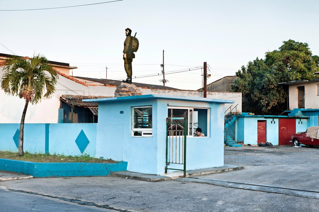 Garage, Santa Clara, Cuba. : Stock Photo