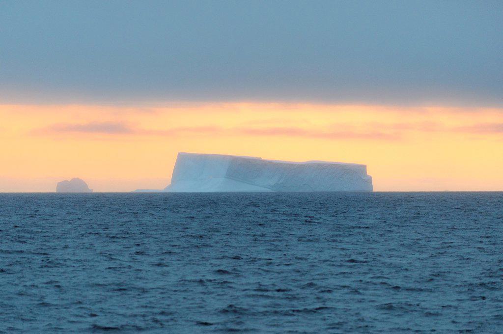 Greenland, Baffin Bay, Upernavik archipelago, Icebergs : Stock Photo