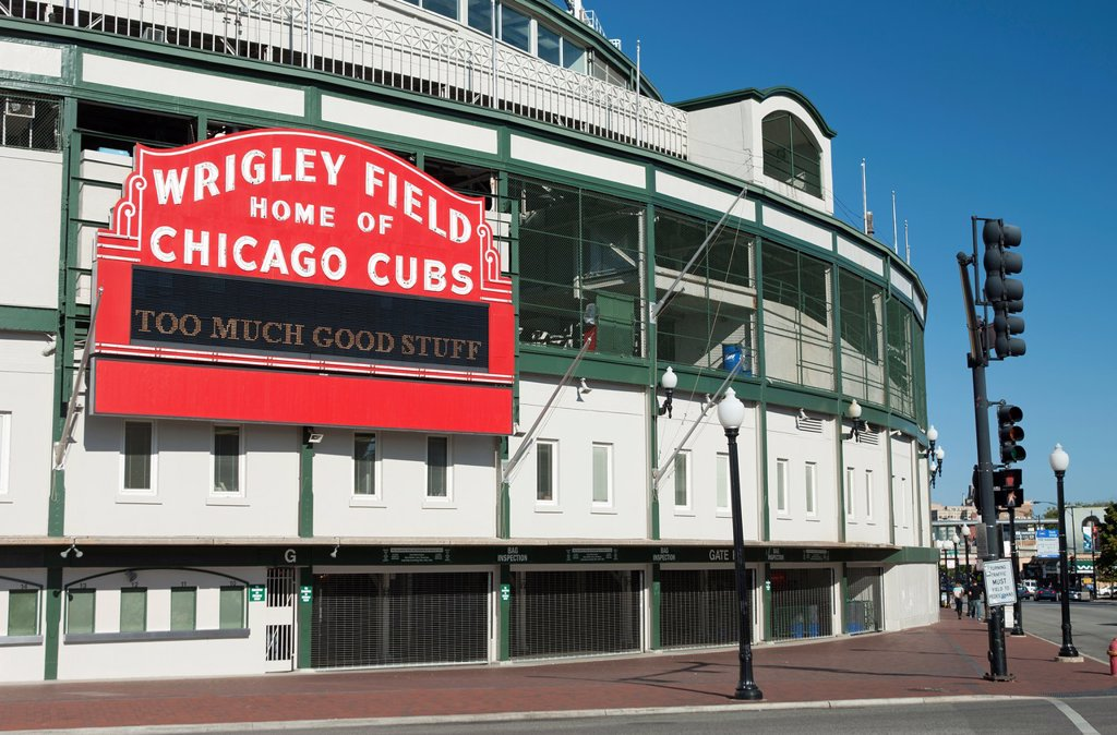 Stock Photo: 1566-1151359 CHICAGO CUBS WRIGLEY FIELD BASEBALL STADIUM CHICAGO ILLINOIS USA