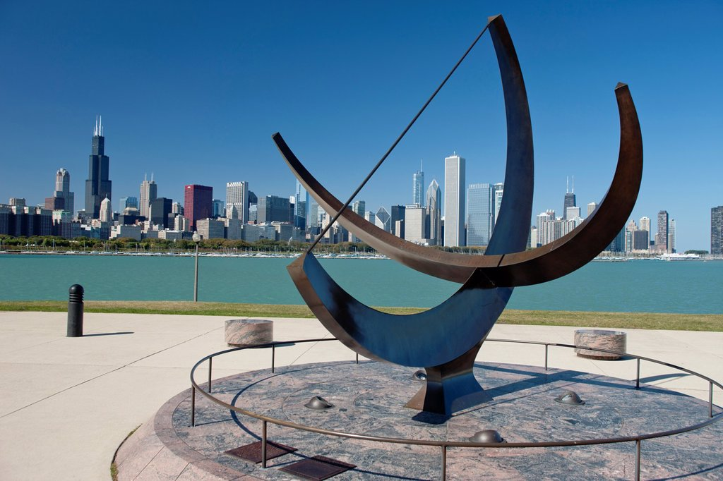 SUNDAIL ADLER PLANETARIUM LAKESHORE SKYLINE DOWNTOWN CHICAGO ILLINOIS USA : Stock Photo