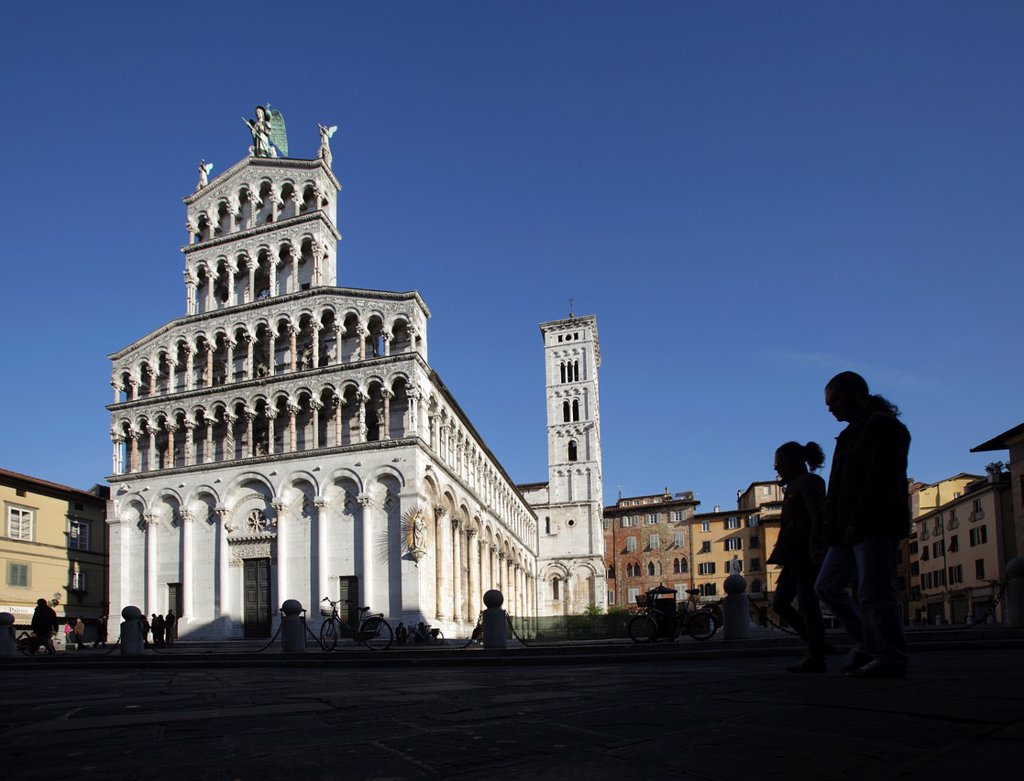 The facade of Church of San Michele in Foro, Lucca, Italy : Stock Photo