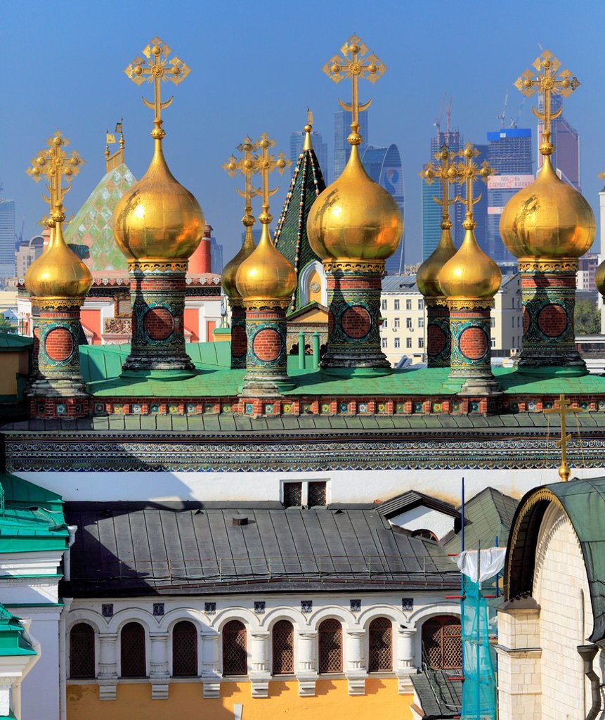 Stock Photo: 1566-1155335 Cupolas of the Upper Saviour Cathedral 17th century, view from Ivan the Great bell tower, Moscow Kremlin, Moscow, Russia