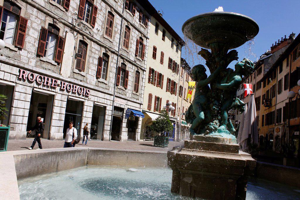 Stock Photo: 1566-1155696 Fountain downtown, Chambéry, Savoie, Rhône-Alpes, France.