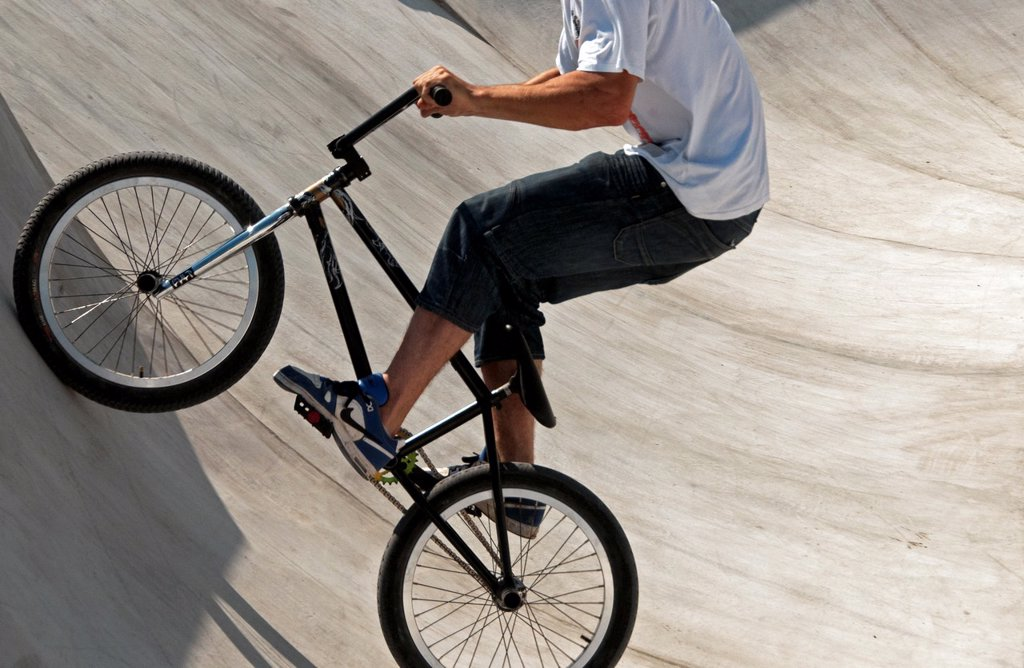 Stock Photo: 1566-1156167 Bmx crossbiker in Plainpalais skatepark, Geneva, Switzerland