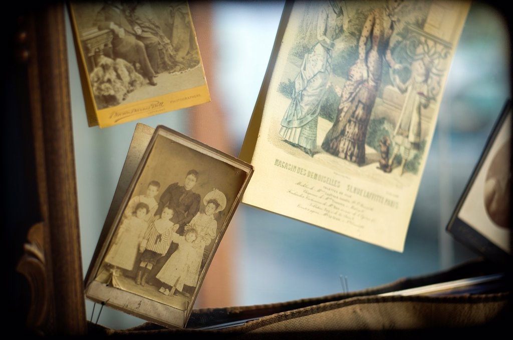 collage de fotos antiguas, anticuario , collage of old photos, antiquarian : Stock Photo