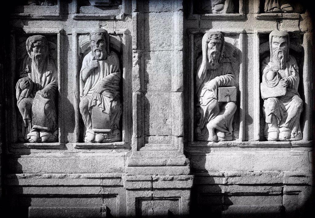 Apóstoles de la fachada de la Catedral e Santiago de Compostela, Coruña, Galicia, España , Apostles of the facade of the Cathedral and Santiago de Compostela, Coruña, Galicia, Spain : Stock Photo