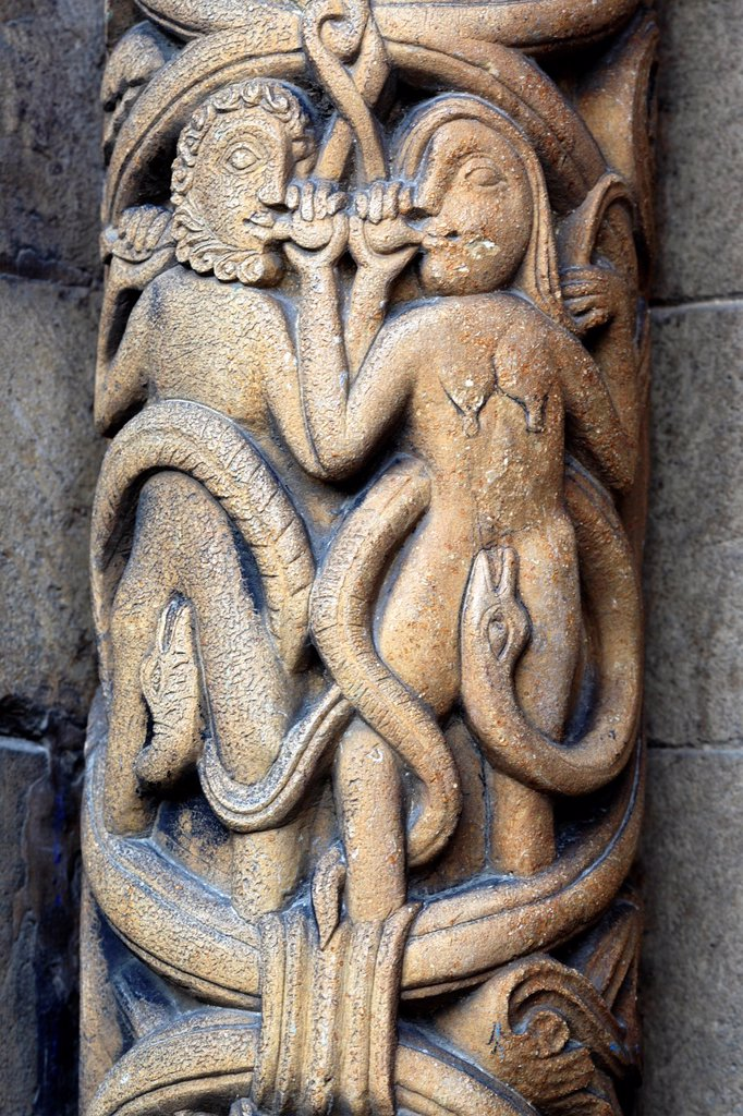 Stock Photo: 1566-1161575 Medieval sculpture on Western facade of Lincoln Cathedral, Lincoln, Lincolnshire, England, UK