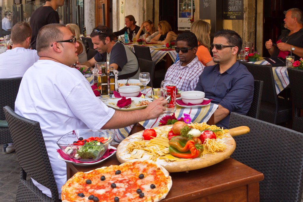 Stock Photo: 1566-1162931 An outdoor Pizzaria restaurant in central Rome, Italy