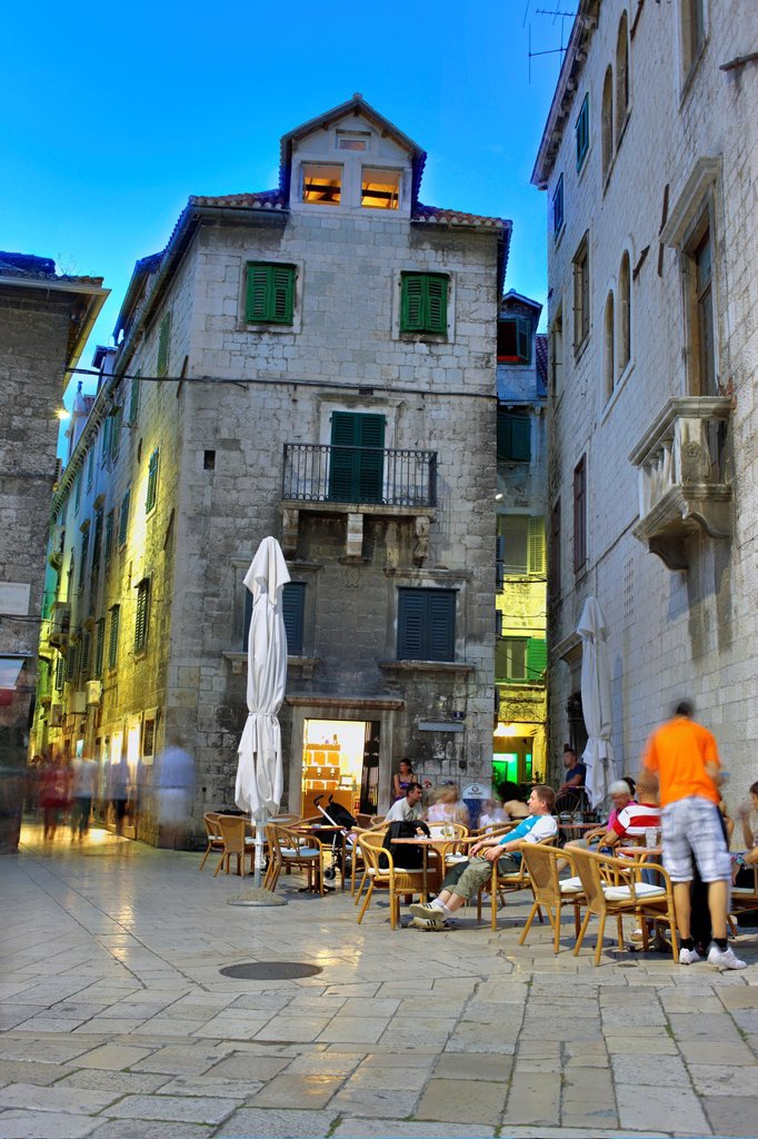 Stock Photo: 1566-1163292 Street cafe in old city, Split, Dalmatia, Croatia