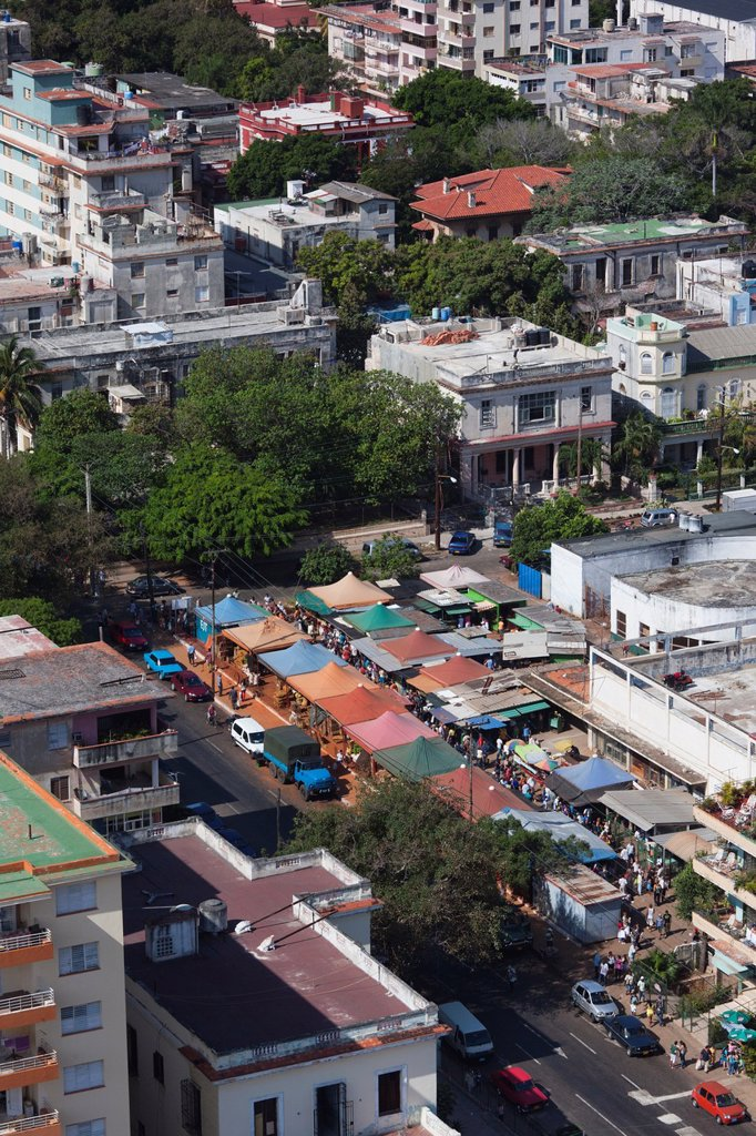 Cuba, Havana, Vedado, elevated view of the Vedado street market : Stock Photo