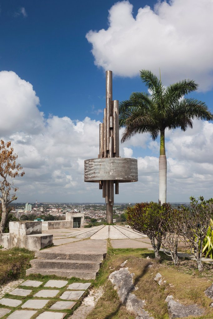 Cuba, Santa Clara Province, Santa Clara, monument atop the Lomo de Caparo : Stock Photo