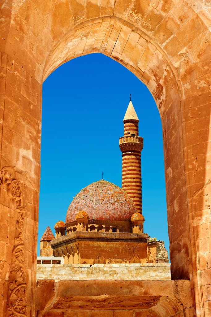 Minarete of the Mosque of the 18th Century Ottoman architecture of the Ishak Pasha Palace Turkish: Ishak Pasa Sarayi, Agri province of eastern Turkey. : Stock Photo