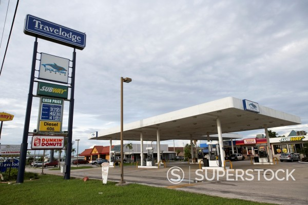 Stock Photo: 1566-1168524 independent dolphin fuel gas station homestead usa