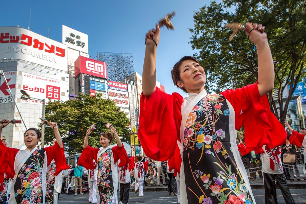 Stock Photo: 1566-1169386 Japan , Tokyo City, Shinjuku district festival, traditional dance