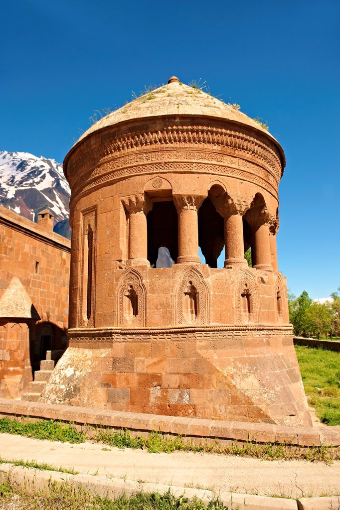 Bayindir Mosque Prayer room  Built in 1492 as the tomb of Turcoman chief Bayindir  Ahlat, Lake Van, Turkey 2 : Stock Photo