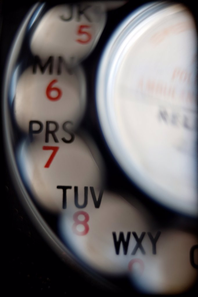 Stock Photo: 1566-1174751 primer plano de dial de telefono vintage, closeup of vintage telephone dial,