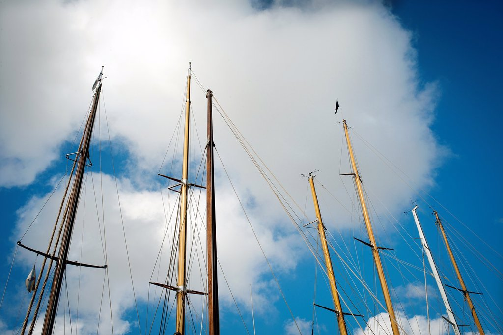 Stock Photo: 1566-1174756 Detalle de mastiles de barcos de epoca, Detail of masts of a vintage yachts,