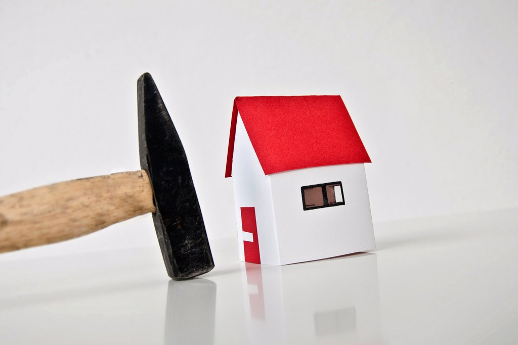 hammer and home, property taxes : Stock Photo