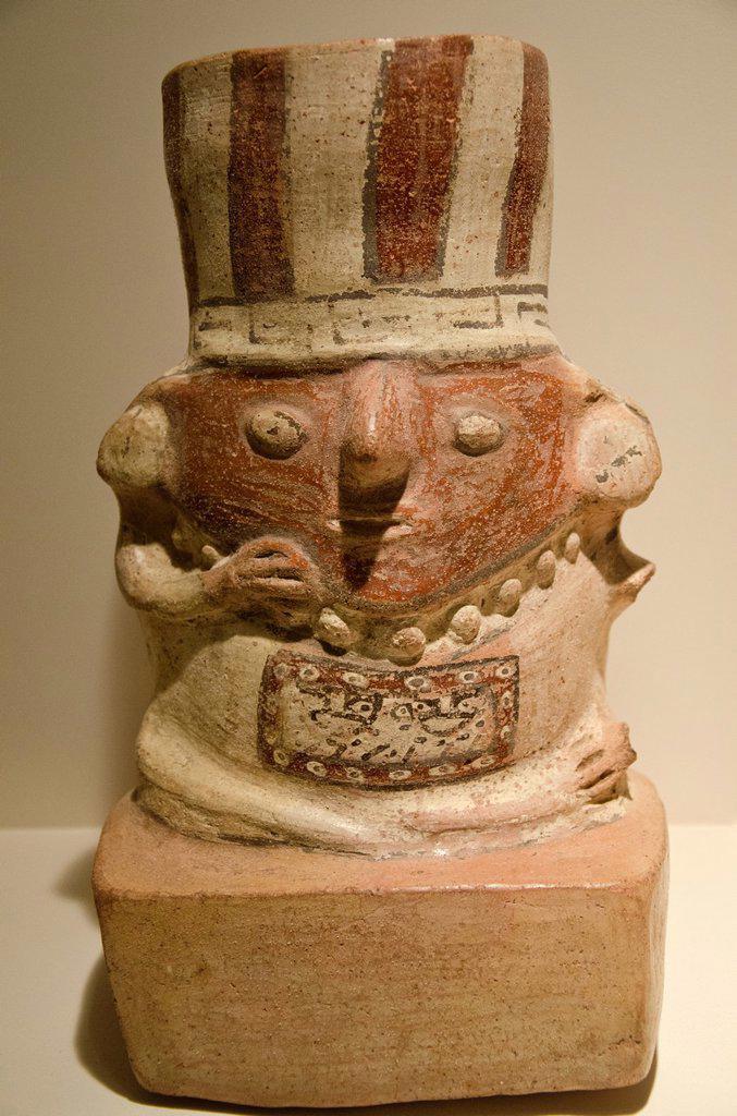 Ceramic vessel  Wari culture 500AC-1000AC  Perú : Stock Photo
