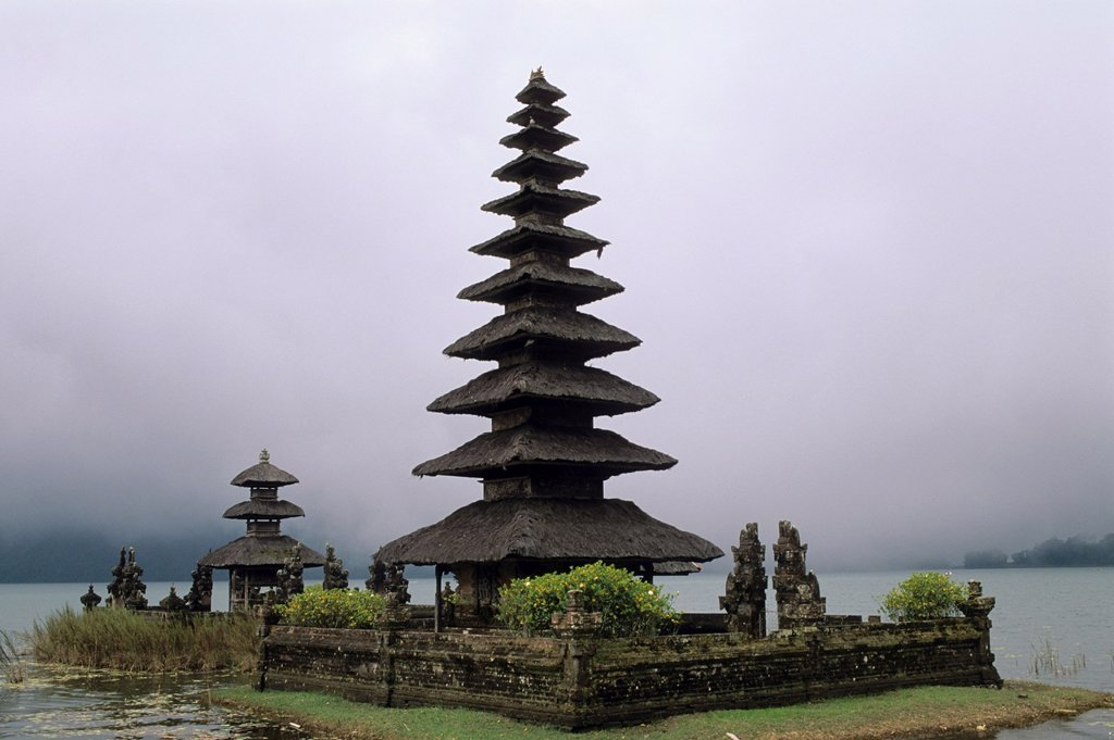 Stock Photo: 1566-1181152 Pura Ulun Danu hindu temple, lake Bratan, Central mountains, Bali, Indonesia