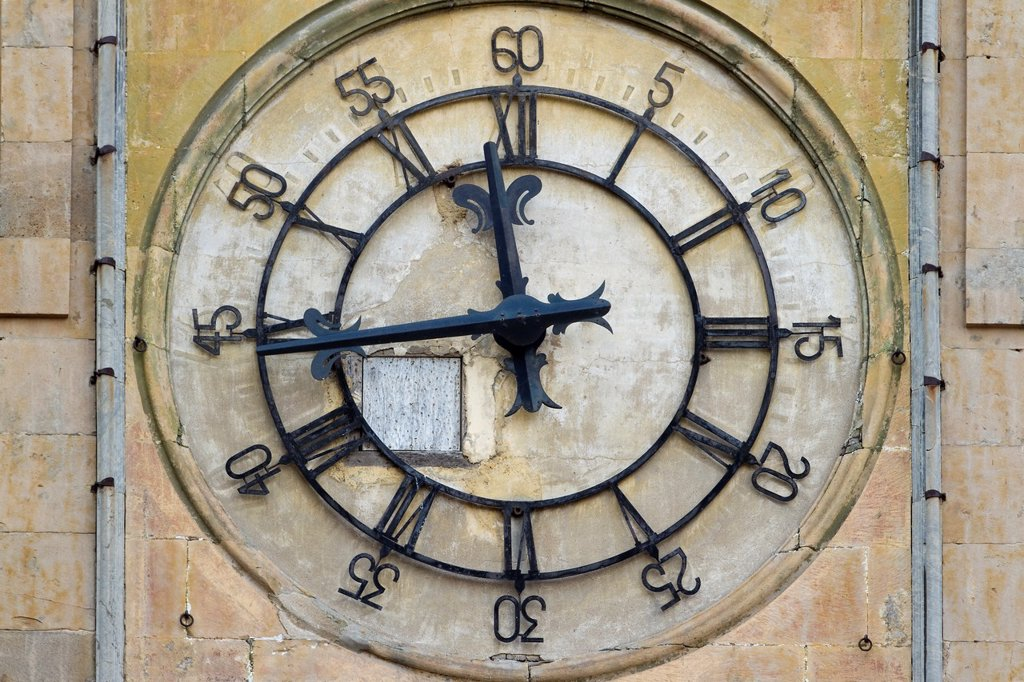Clock on the New Cathedral tower, Salamanca, city declarated World Heritage by UNESCO  Castilla y León  Spain : Stock Photo