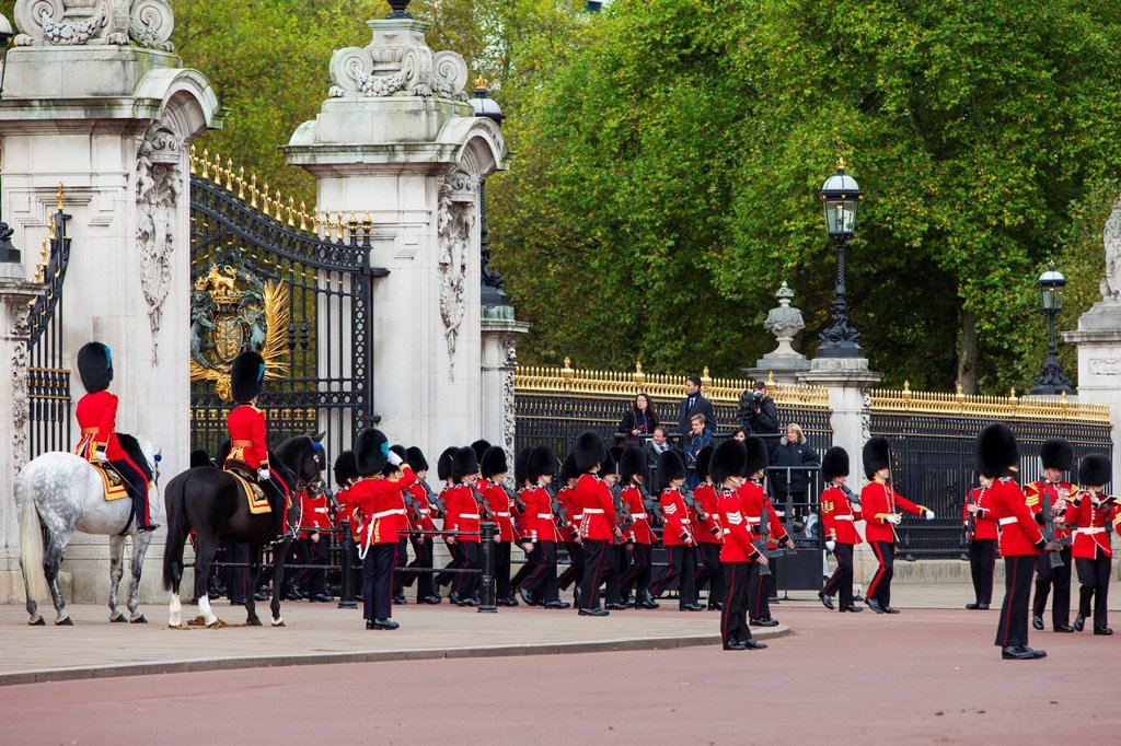 Members of the Scots Guard on parade at Buckingham Palace, London England, UK : Stock Photo