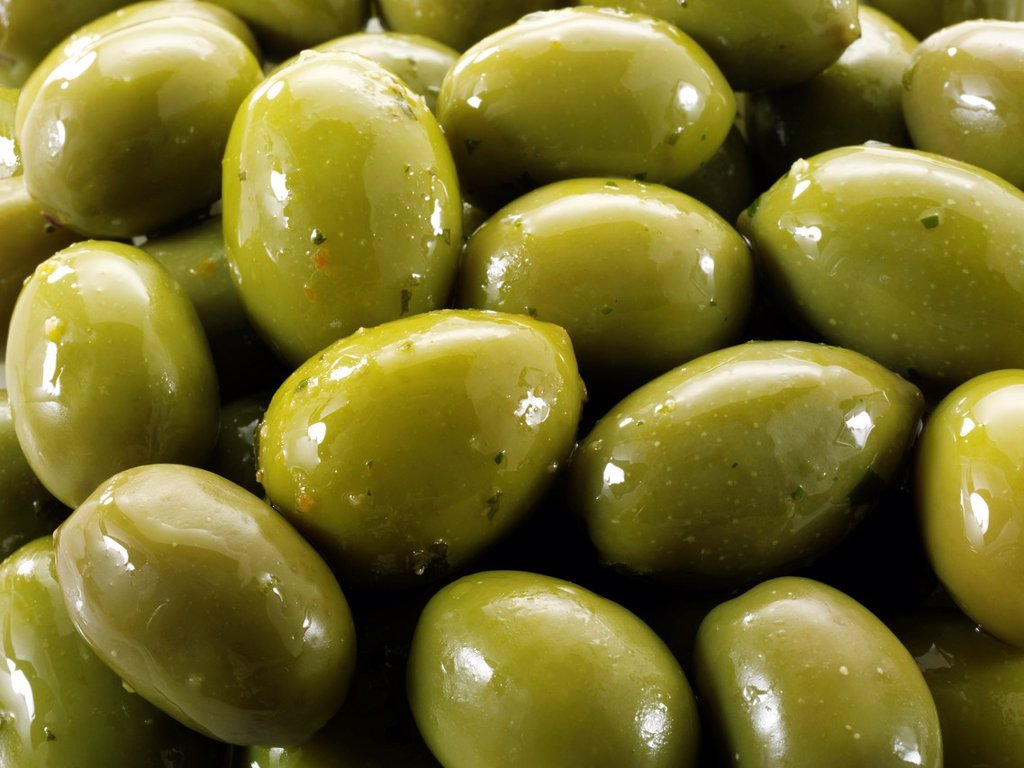 Fresh green queen olives photos, pictures & images : Stock Photo
