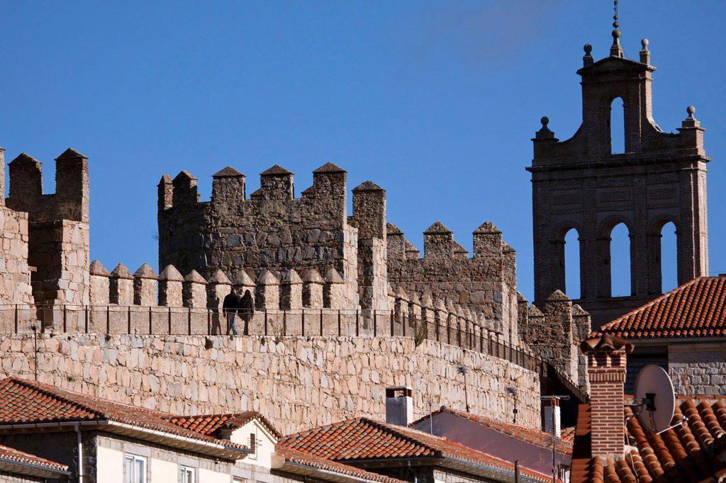 Stock Photo: 1566-1197040 Adarve de la Muralla de Ávila con la Espadaña del Carmen al fondo