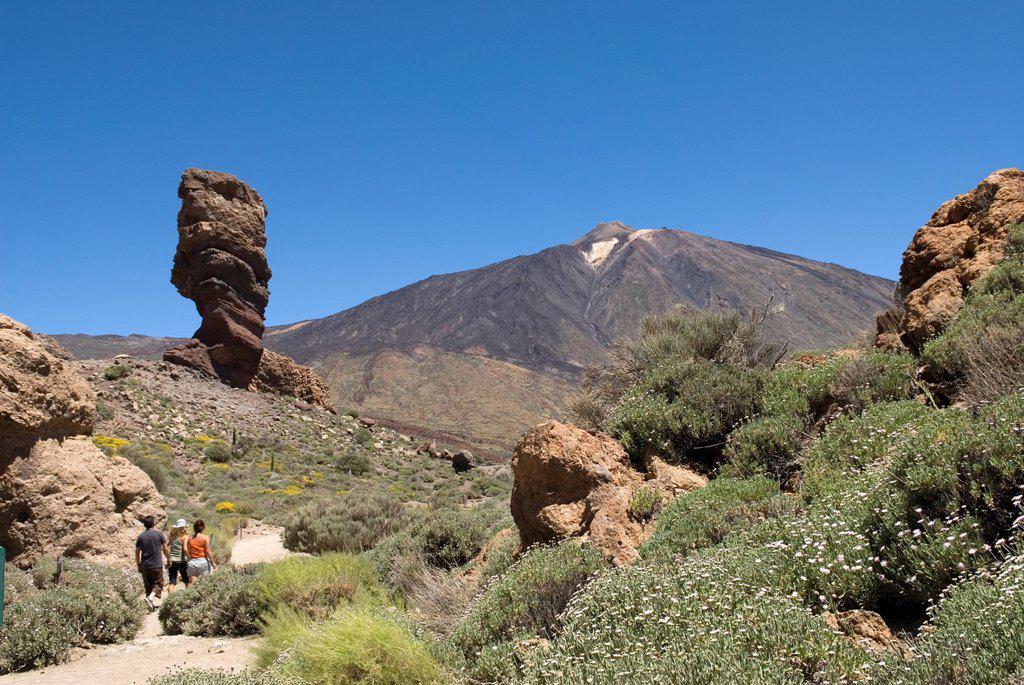 Stock Photo: 1566-1198073 Roque Cinchado, Roques de Garcia, Caldeira de las Canadas, Mount Teide, National Park, Tenerife, Canary Islands, Atlantic Ocean