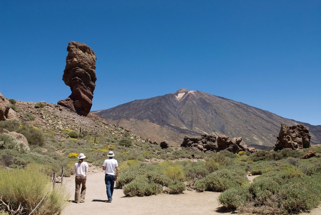 Stock Photo: 1566-1198074 Roque Cinchado, Roques de Garcia, Caldeira de las Canadas, Mount Teide, National Park, Tenerife, Canary Islands, Atlantic Ocean