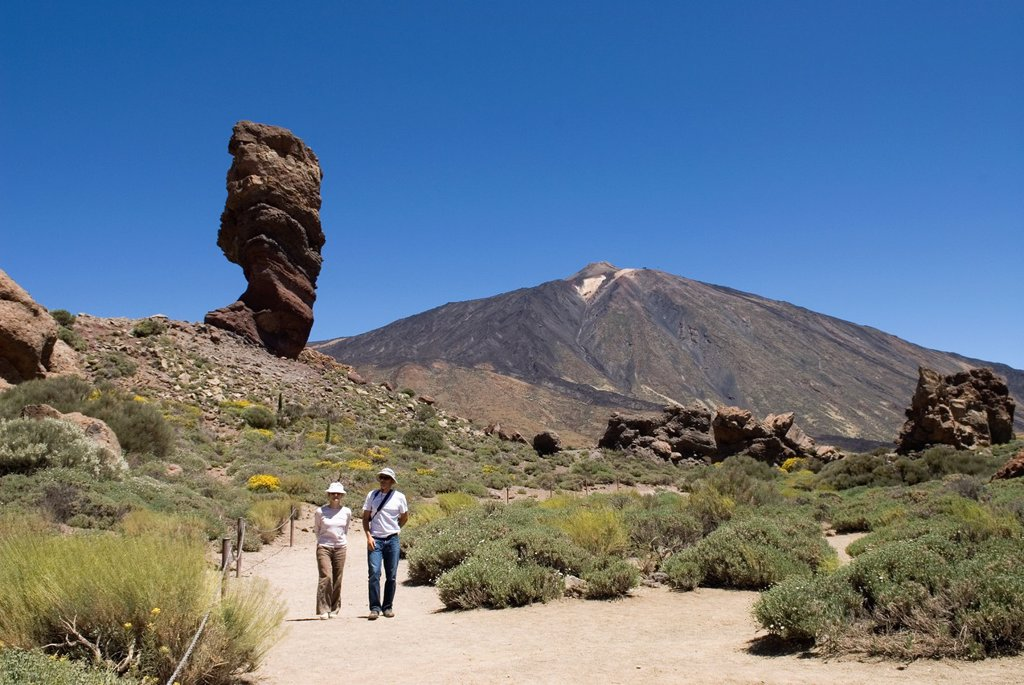 Stock Photo: 1566-1198075 Roque Cinchado, Roques de Garcia, Caldeira de las Canadas, Mount Teide, National Park, Tenerife, Canary Islands, Atlantic Ocean
