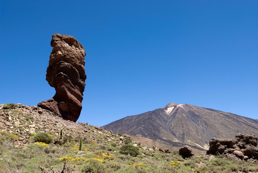 Roque Cinchado, Roques de Garcia, Caldeira de las Canadas, Mount Teide, National Park, Tenerife, Canary Islands, Atlantic Ocean : Stock Photo