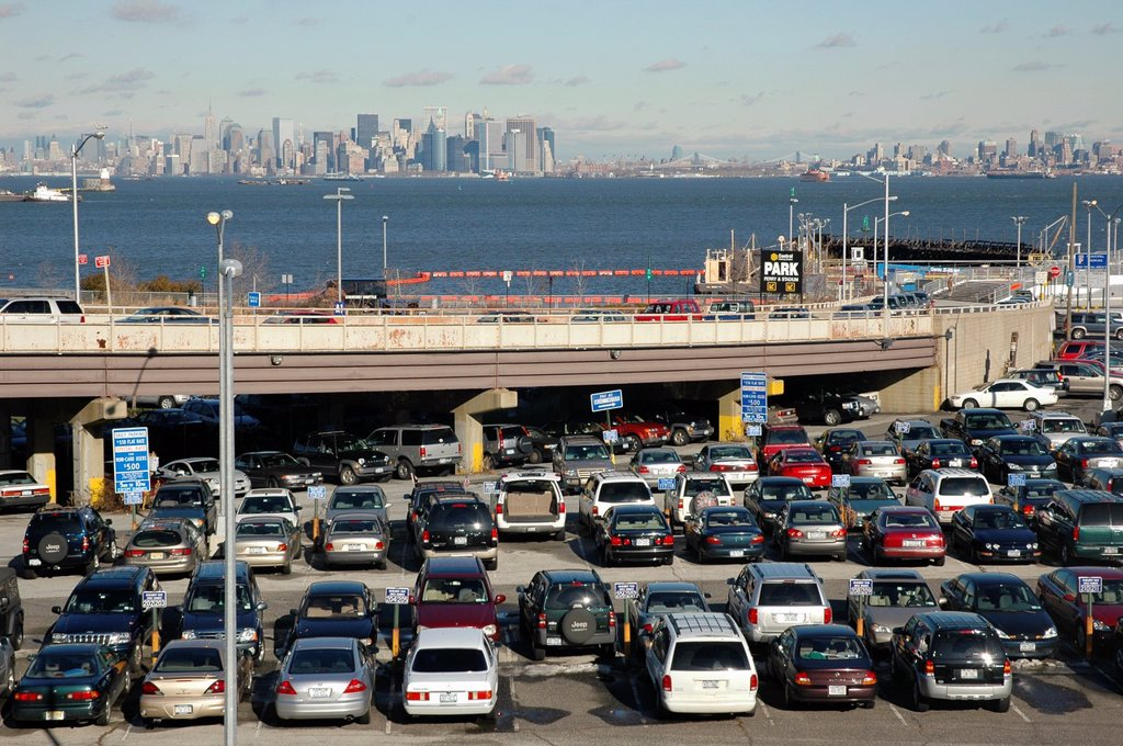 Stock Photo: 1566-1198367 New York City, parking lot by the ferry station to Manhattan, Staten Island