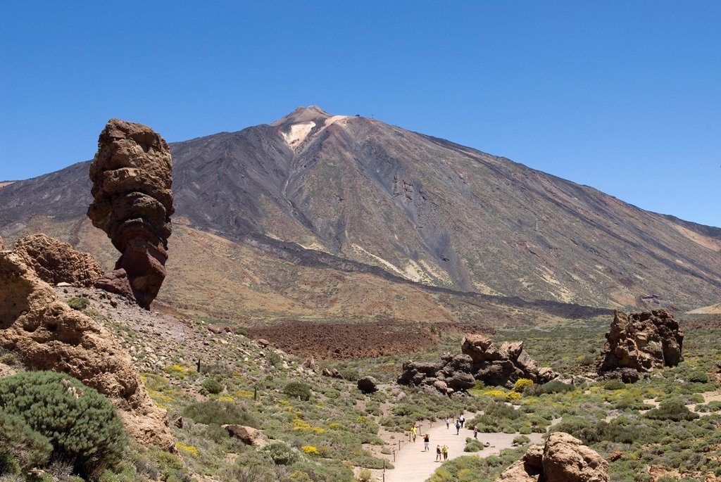 Stock Photo: 1566-1198489 Roque Cinchado, Roques de Garcia, Caldeira de las Canadas, Mount Teide, National Park, Tenerife, Canary Islands, Atlantic Ocean
