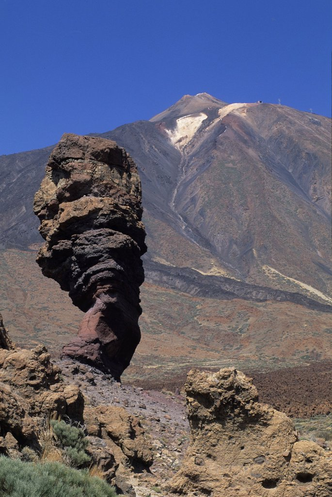 Stock Photo: 1566-1198511 Roque Cinchado, Roques de Garcia, Caldeira de las Canadas, Mount Teide, National Park, Tenerife, Canary Islands, Atlantic Ocean