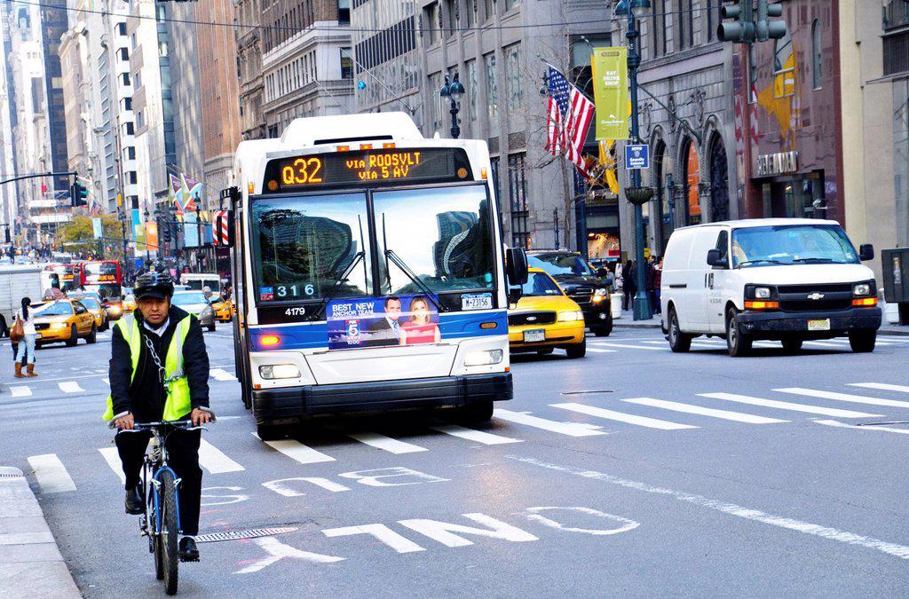 New York City Public Transportation Q32 Bus, Manhattan, New York City, USA : Stock Photo