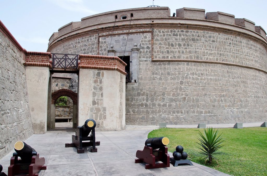 Real Felipe fort in Lima city  Peru  King Tower : Stock Photo