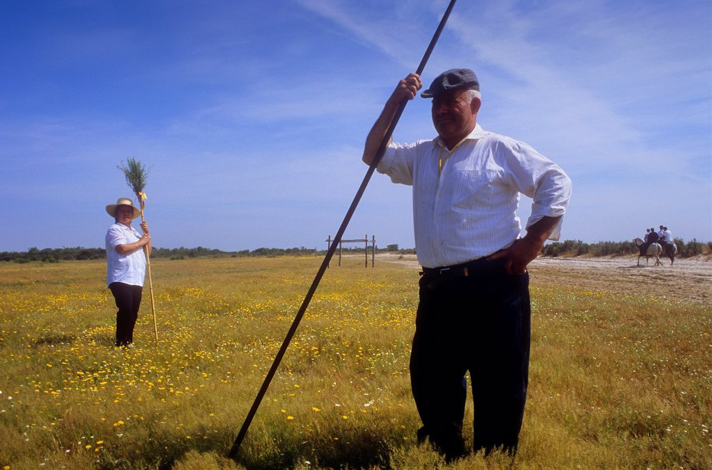 Stock Photo: 1566-1202193 Pilgrims between Doñana Palace and Rocio village,Romeria del Rocio, pilgrims on their way through the Doñana National Park, pilgrimage of Sanlúcar de Barrameda brotherhood, to El Rocío, Almonte, Huelva province, Andalucia