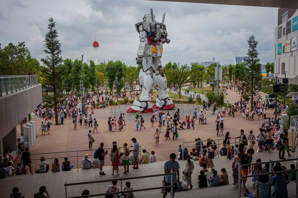 Gundam robot in Diver City Tokyo Plaza, in Odaiba artificial island Tokyo city, Japan, Asia : Stock Photo