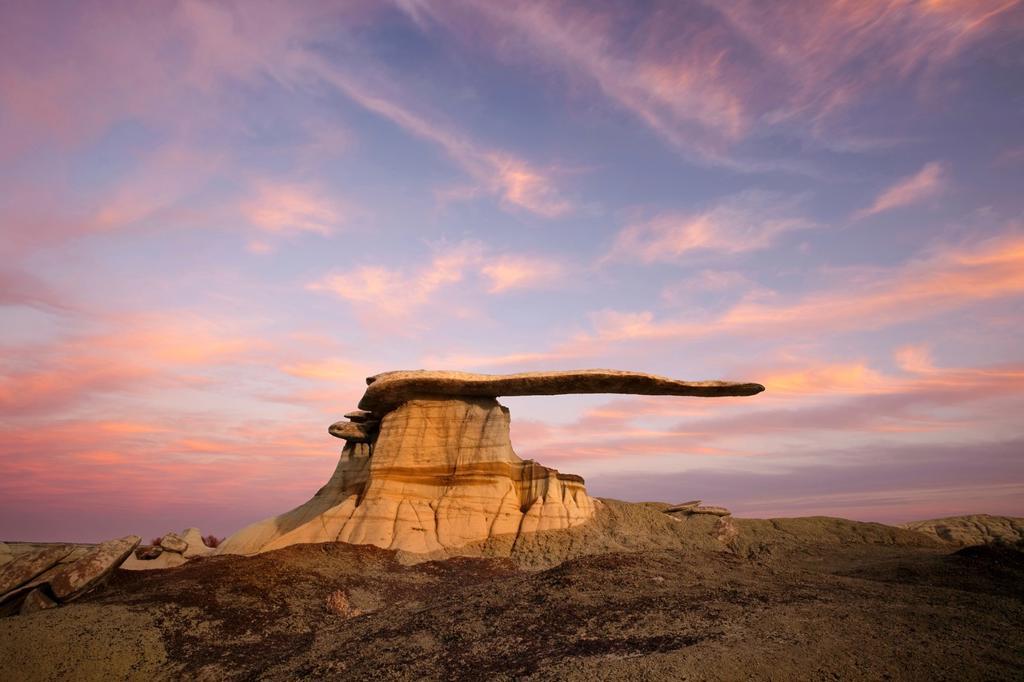 Stock Photo: 1566-1203561 Sunset at The King of Wings, San Juan Bandlands of New Mexico