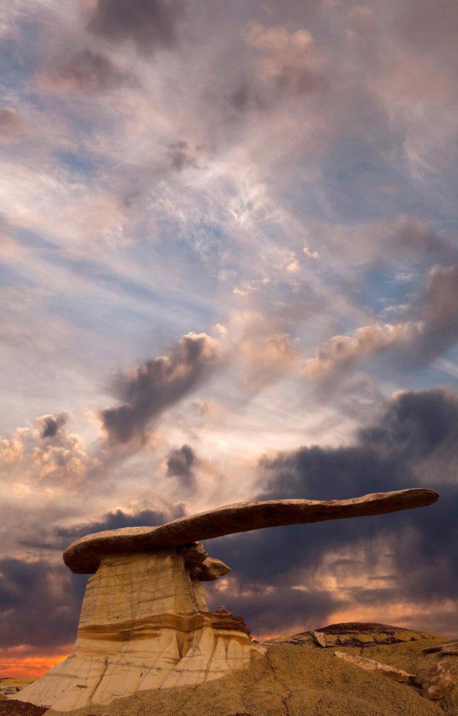 Stock Photo: 1566-1203562 Sunrise at The King of Wings, San Juan Bandlands of New Mexico