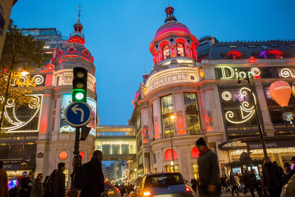 Paris, France, Christmas Shopping, French Department Store, Printemps, Dior Advertising : Stock Photo