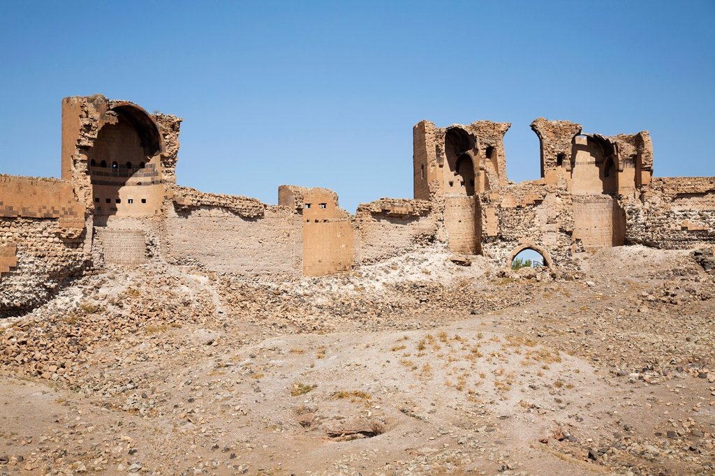 walls and building, ani ruins, kars area, north-eastern anatolia, turkey, asia : Stock Photo